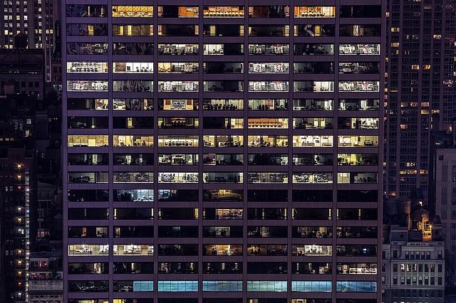kancelářská budova.jpg
