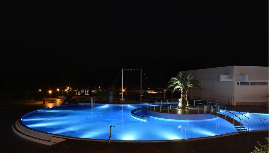 osvícený bazén.jpg